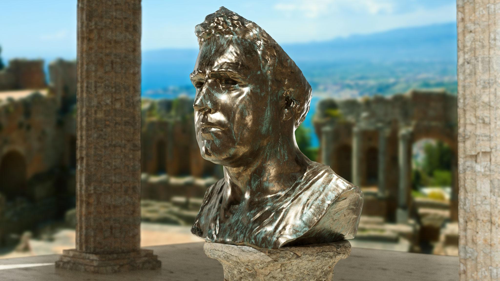 Melluzzo Statue